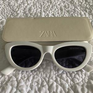 Zara white vintage glasses